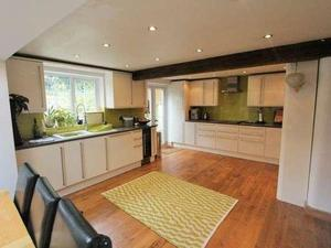 room in Almondsbury