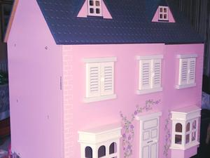 Large solid Pink Dolls House