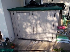 PLASTIC GARDEN SHED FOR SALE