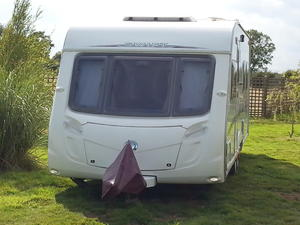 Swift Conqueror 645 Lux Caravan with Bradcot awning
