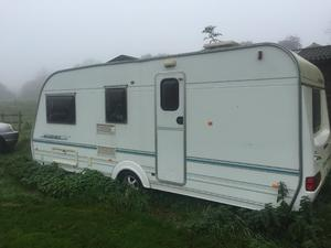 Wanderer caravan 4 birth 2000 with free motor mover and awning