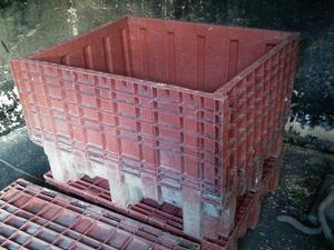 Plastic storage bins with sides