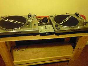TWIN KAM TURNTABLES  MIXER AND STAND