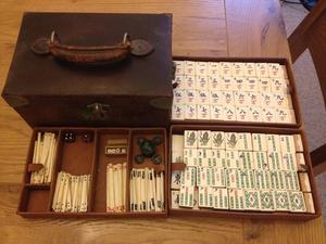 Antique 148 tile Bone & Bamboo Mah Jong set in leather carry case