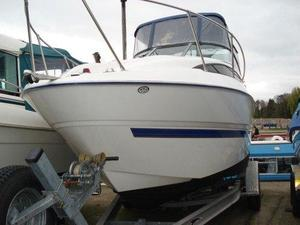 Bayliner 245 Motor 220 HP 24ft Cruiser Boat 2007