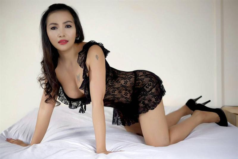 naken massage escorts göteborg
