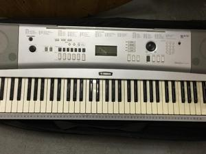 Yamaha grand piano for sale in uk view 75 bargains for Yamaha portable grand dgx 220 electronic keyboard