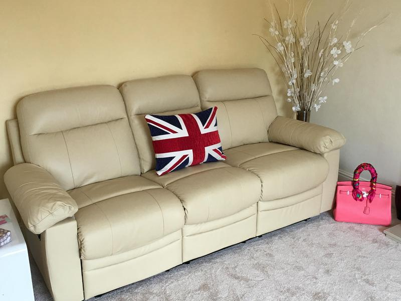 3 SEATER RECLINER SOFA u0026 RECLINER ARMCHAIR. CREAM LEATHER. 8 WEEKS OLD. BY ARGOS. COLLECTION FROME in Frome - Expired | Friday-Ad & 3 SEATER RECLINER SOFA u0026 RECLINER ARMCHAIR. CREAM LEATHER. 8 WEEKS ... islam-shia.org