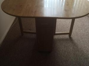 Medium Oak Round Table - Redhill Friday-Ad