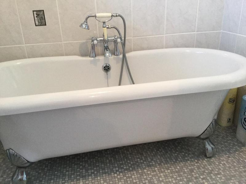 Bath roll top bath and taps now reduced price eastbourne for Furniture now eastbourne
