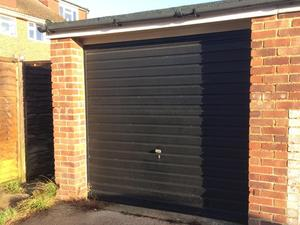 Freehold Lock Up Garage For Sale In Rustigton Expired