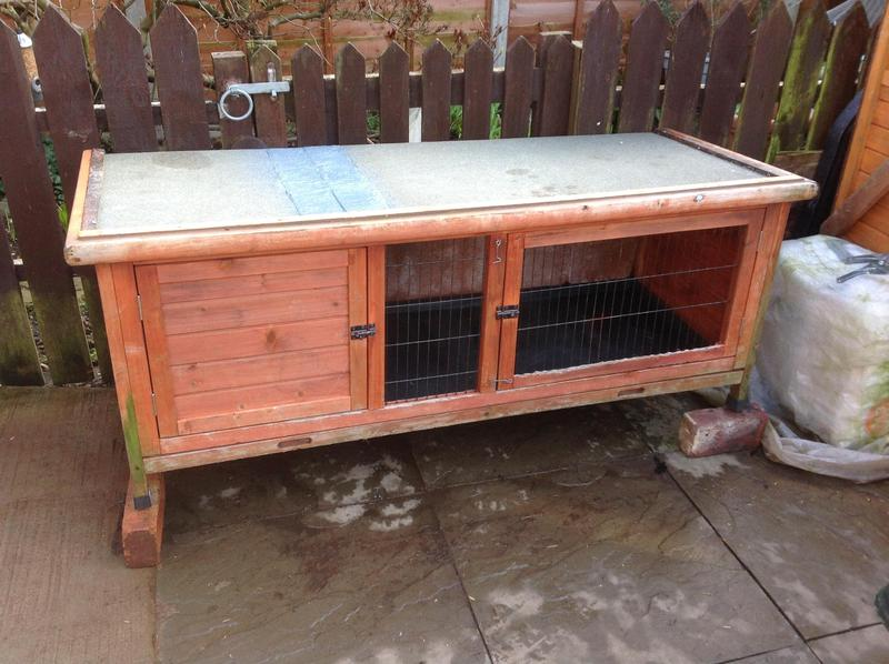 5ft rabbit hutch in woking friday ad for 5 foot rabbit hutch