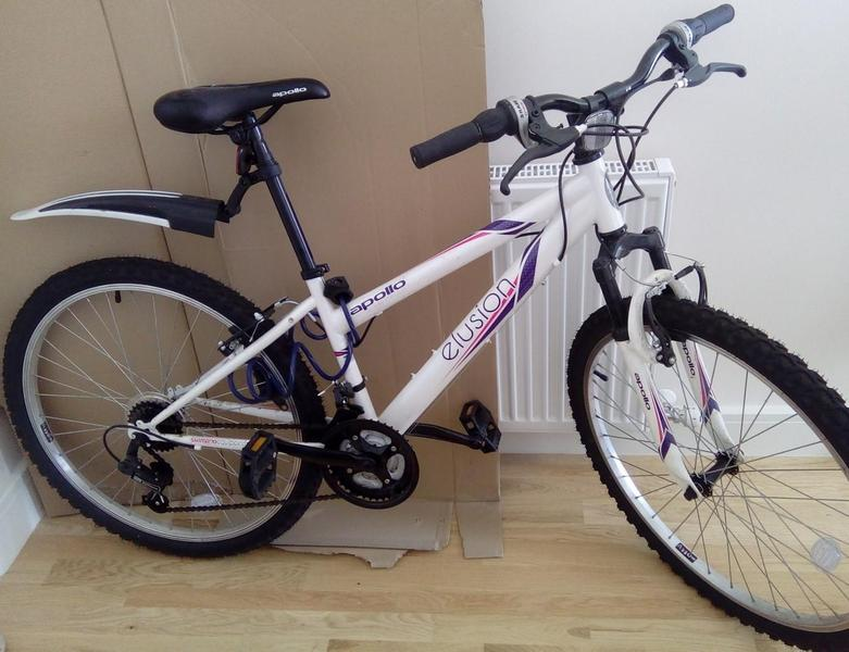 Apollo Elusion Womens Mountain Bike 17 In Horley Expired