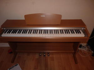 Used keyboards and pianos for sale in uk friday ad for Yamaha ydp 113 for sale