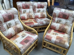 SALE NOW ON!! 2 Seater Conservatory Sofa Suite With 2 Chairs - Local Delivery £19  in Lancing