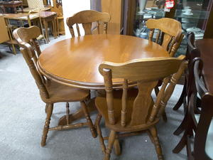 SALE NOW ON Solid Oak Kitchen Dining Table With 4 Matching Ch