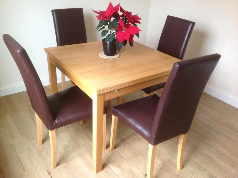 Extending modern light oak dining table and 4 chairs in  : extending modern light oak dining table and 4 chairs 15821947 1800X600 from www.friday-ad.co.uk size 800 x 598 jpeg 51kB