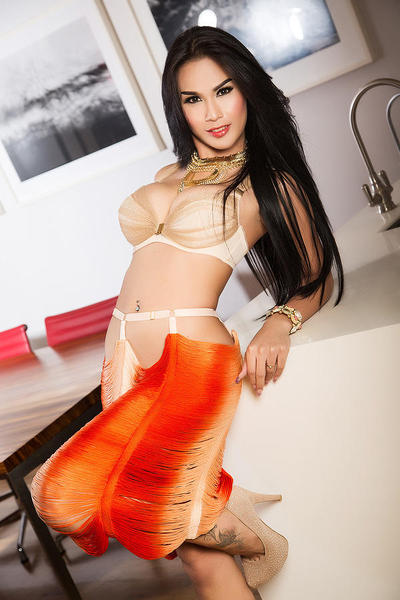gorgeous young escort service