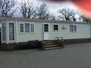 Elegant After He Refurbished It Himself, He Was Surprised By A Request From A Lodger To Use The Caravan As A Longterm Let This
