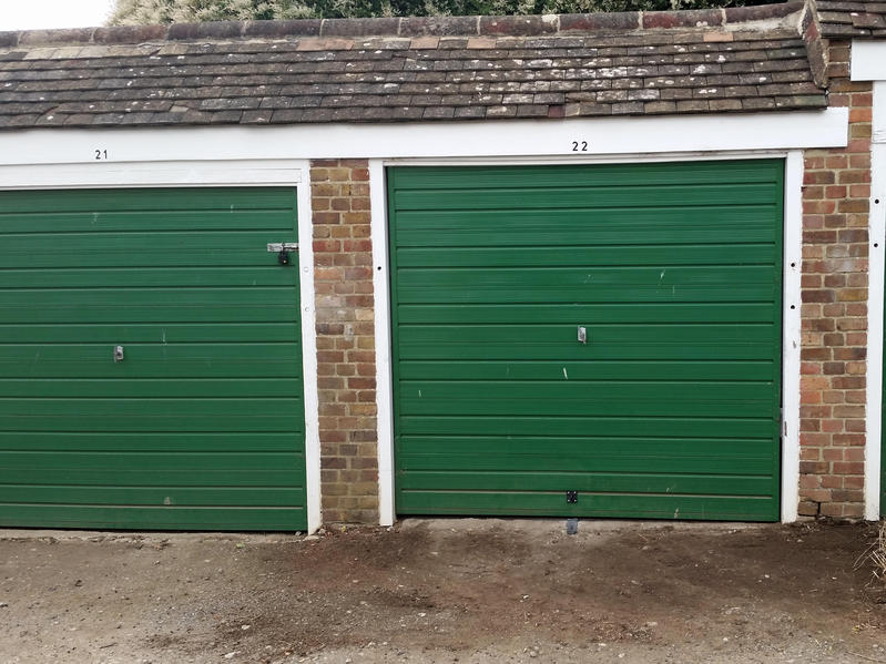 To Let For Rent Garage No 28 Albemarle Road