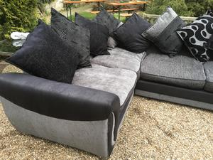 Top quality corner suite from dfs excellent condition in Brighton