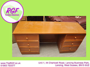 SALE NOW ON!! Dressing Table - Local Delivery £19  in Lancing
