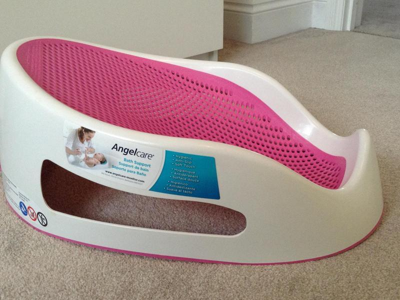 AngelCare Bath Seat - Pink in Wellingborough - Expired   Friday-Ad