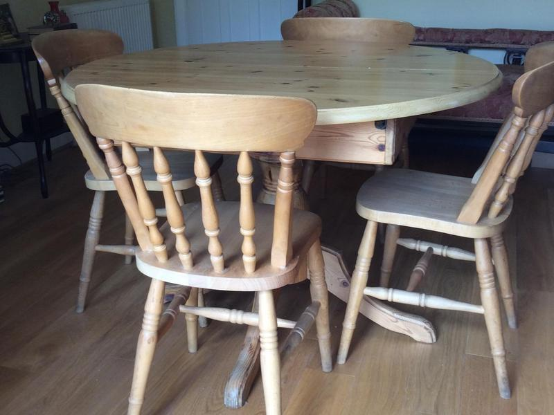 Ducal extending pedestal round solid pine table with 4  : ducal extending pedestal round solid pine table with 4 chairs 16244427 1800X600 from www.friday-ad.co.uk size 800 x 600 jpeg 55kB