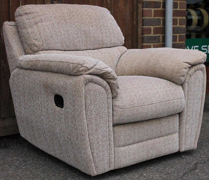 Reclining 3 piece suite in haywards heath friday ad for Home landscape design suite 8 0 link