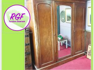 SALE NOW ON!! Large Antique Wardrobe - Local Delivery £19  in Lancing