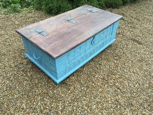 SOLID TRUNK/TABLE .....130 cms x 68cms x 48cms high in Brighton