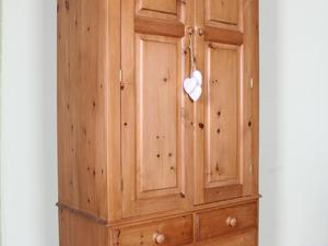 DELIVERY OPTIONS - TOP QUALITY MADE SOLID PINE DOUBLE WARDROBE WITH 3 DRAWERS in Eastbourne
