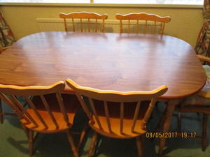 FOR SALE DINING TABLE AND SIX CHAIRS