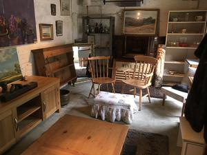 LOTS OF GOOD QUALITY SECOND HAND FURNITURE in Brighton