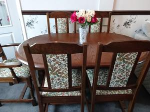 Dining Table 4 Chairs 2 Carvers In Southampton
