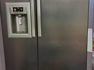 american fridge freezer with water and ice machine in seaford