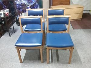 4 Church Style Chairs For Reupholstery   Local Delivery £19