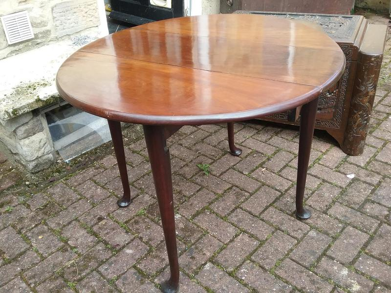 Mahogony Pad Foot Table In Newcastle Upon Tyne