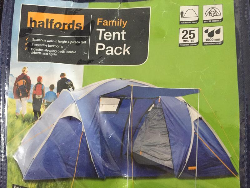 Halfords 4 Person Tent in Mitcham & Halfords 4 Person Tent in Mitcham | Friday-Ad