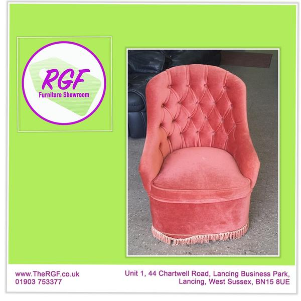 Pink Button Back Chair For Reupholstery Project   Local Delivery £19 In  Lancing
