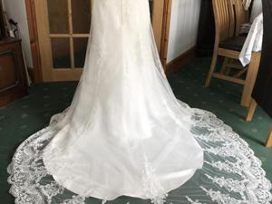 Brand New Wedding Dress Never Worn Size 16 In Worthing